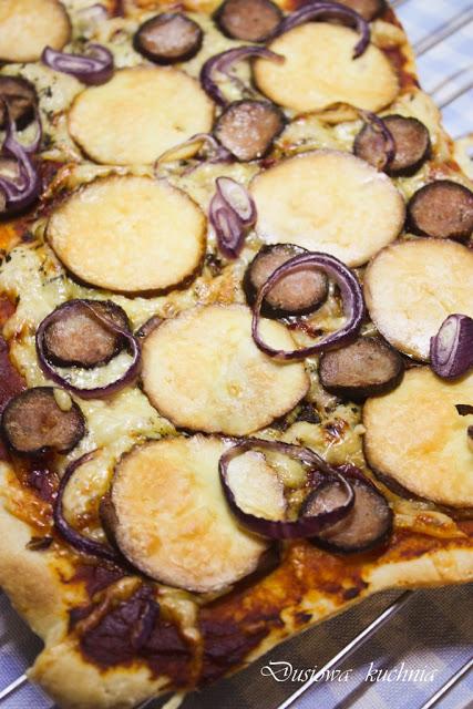 pizza, przepis na pizzę, pizza z oscypkiem, pizza góralska, pizza po góralsku
