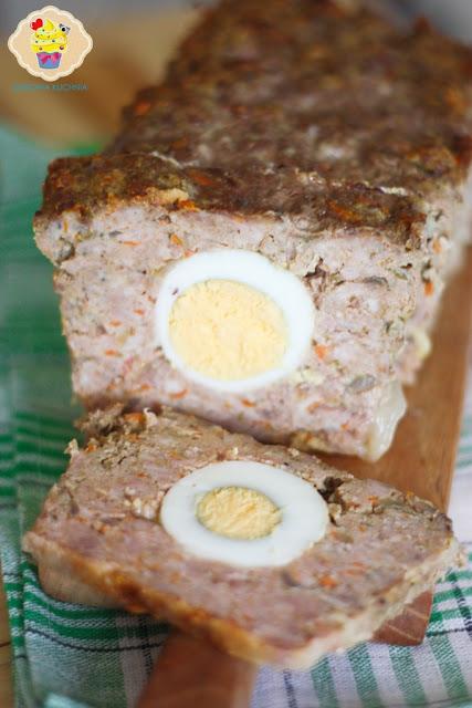pieczeń rzymska, klops z jajem, pieczeń z jajem, klops faszerowany jajem