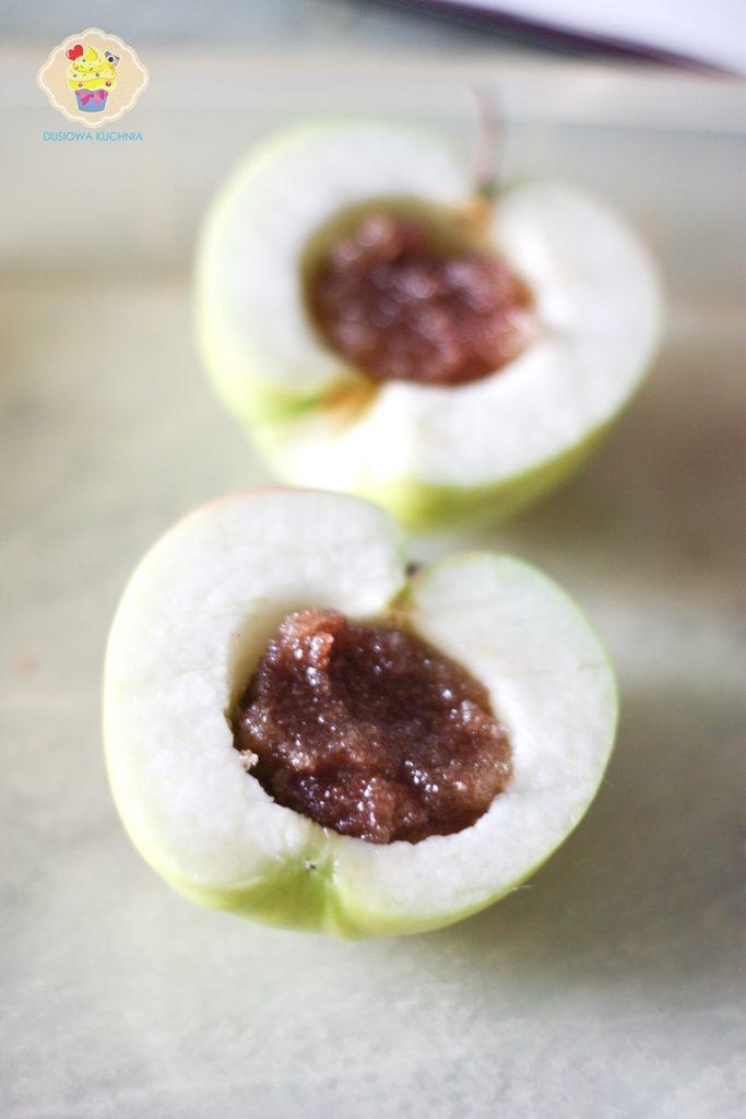 pieczone jabłka, pieczone jabłka z cynamonem, jak zrobić pieczone jabłka, pieczone jabłka przepis