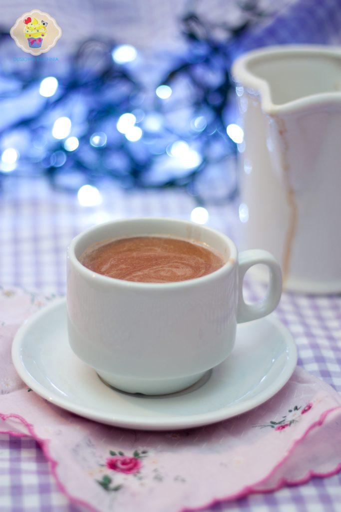 gorąca czekolada, przepis na gorącą czekoladę, czekolada na gorąco, czekolada na ciepło, czekolada do picia, gorąca czekolada najprostsza