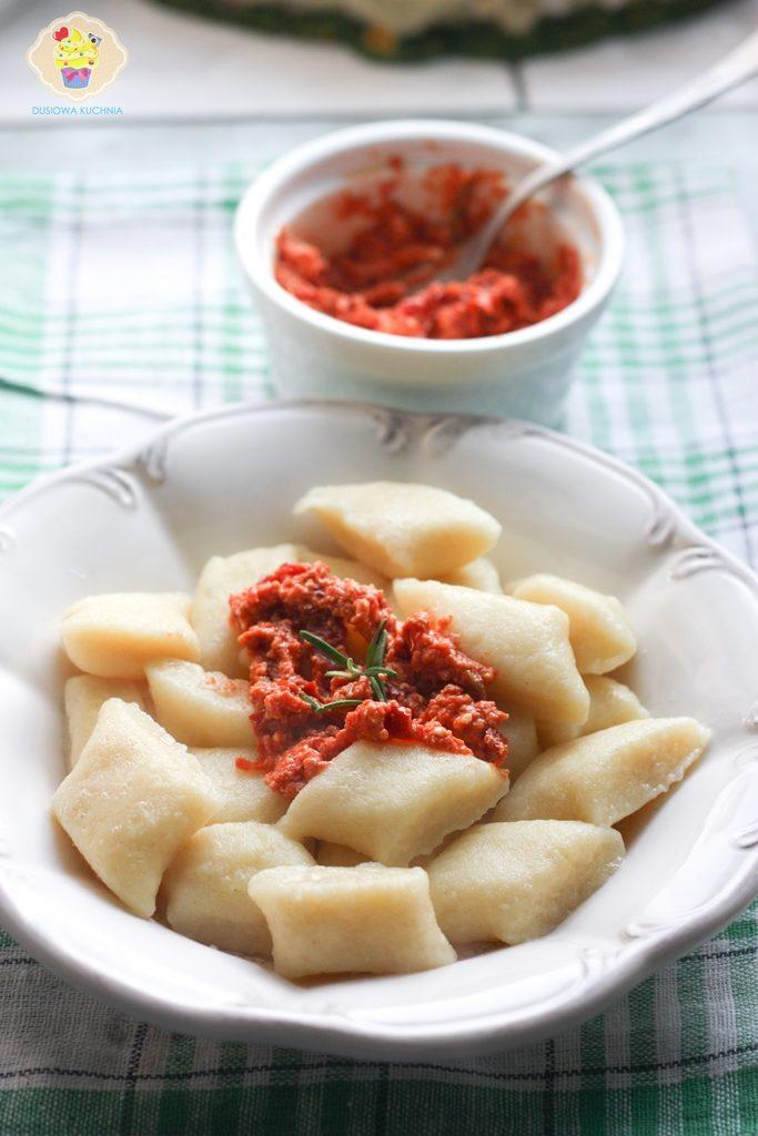 przepis na kopytka, kopytka z pomidorami, kopytka w sosie