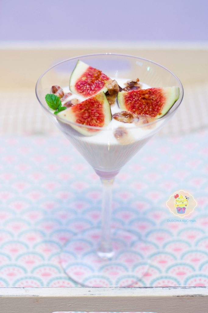 figi z miodem, figi z miodem i jogurtem greckim, deser figowy, deser z figami, przepisy z figami