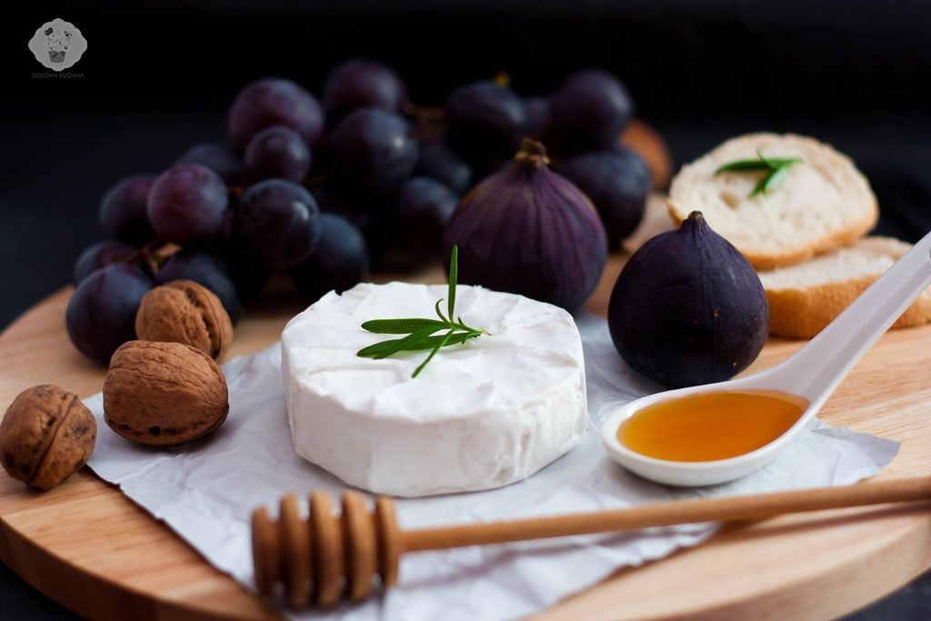 camembert z figami, grillowany camembert z figami, karmelizowane figi,