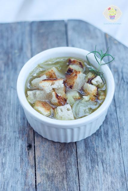 prosta zupa cebulowa, zupa cebulowa przepis, przepis na zupę cebulową