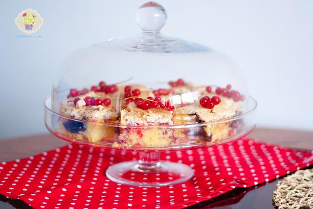ciasto z porzeczkami i bezą, ciasto z porzeczkami i bezą przepis, ciasto przepis z porzeczkami