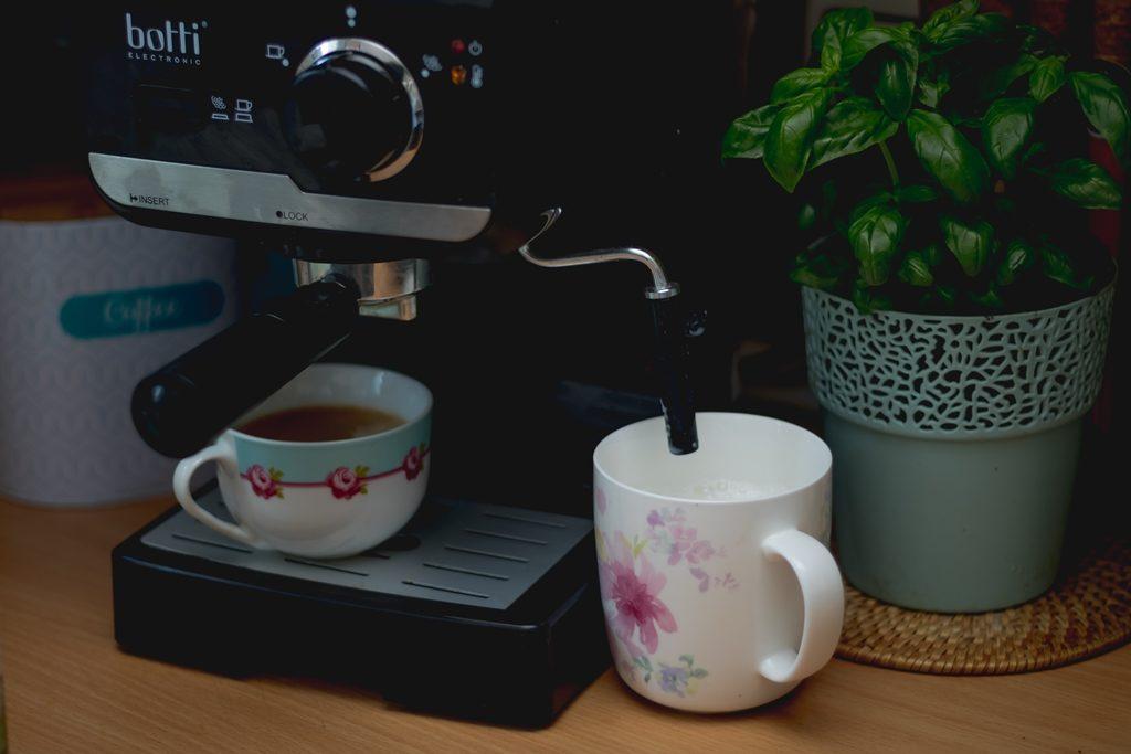 Ekspres ciśnieniowy do kawy  Botti Dolce