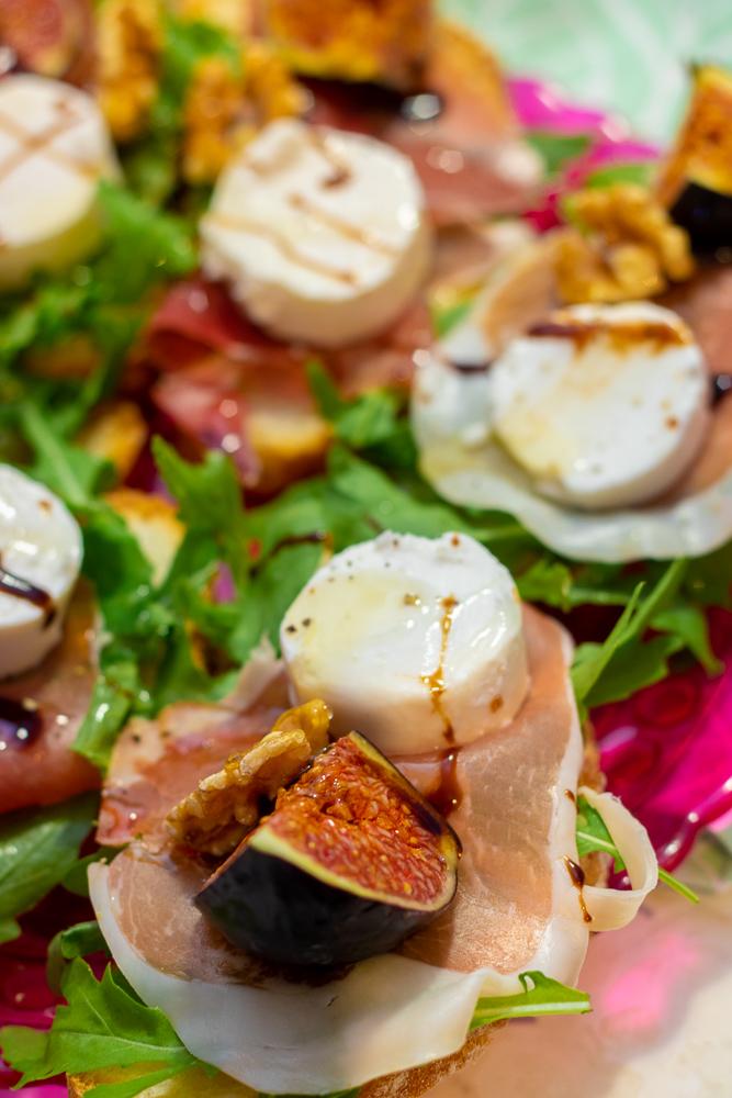 grzanki z figami i kozim serem
